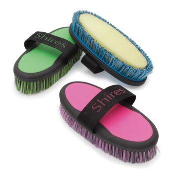 Shires Ezi-Groom Wash Brush